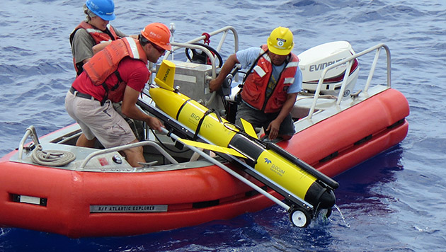 <p> 	Marine techs and crew of the R/V&nbsp;<em>Atlantic Explorer</em> retrieve an AUV offshore Bermuda.</p>