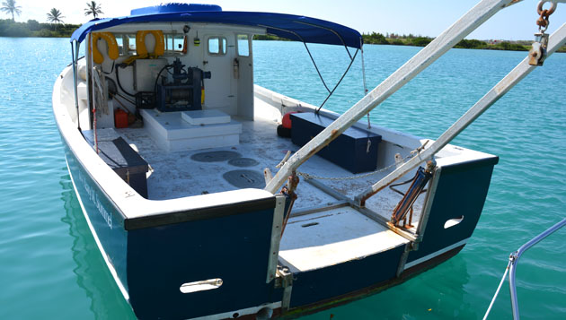 <p> 	41' R/V <em>Stommel</em>, featuring an A-frame and winch for the deployment/recovery of research equipment and instruments with plenty of deck space for dive gear. Capacity is 40 passengers.</p>