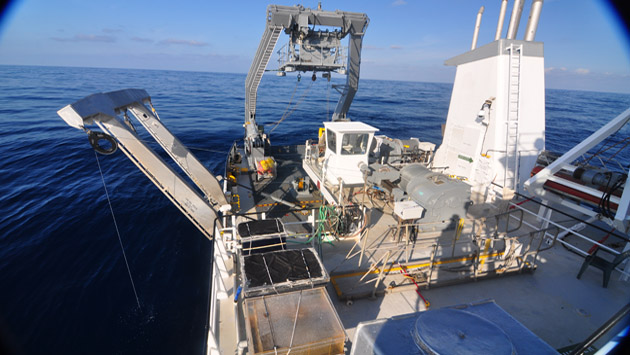 <p> 	Aft view on the R/V <em>Atlantic Explorer.</em></p>