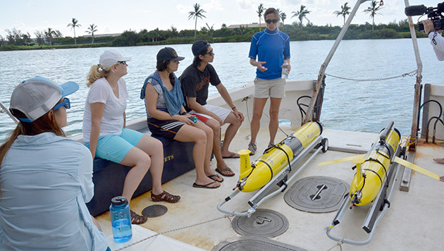 <p> 	Interns learning about BIOS&#39;s glider program from Ruth Curry while particpating in a deployment of its 2 newest gliders, Jack and Minnie.</p>